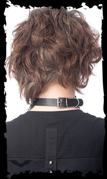 Choker with studs and 3 chains, adjustab