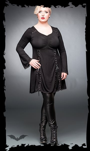 Black dress with v-neck and lacings