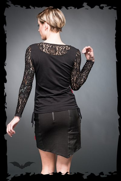 Longsleeve with lace sleeves